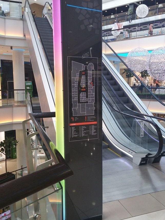 навигационная стела для торгового центра